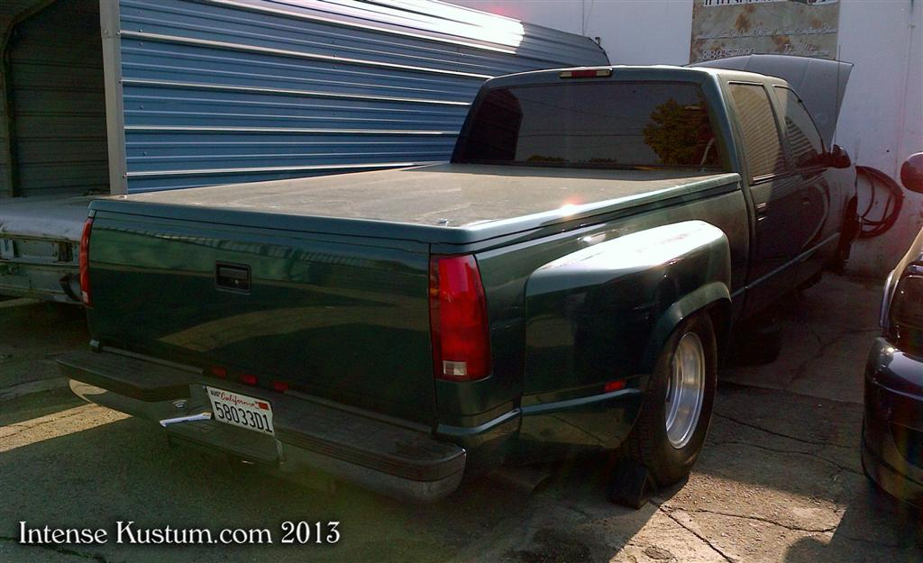 Chevy Dually in for Air ride and 22's